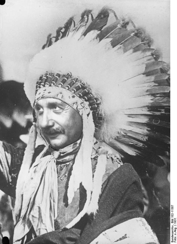 Albert Einstein als Indianer (Fotomontage)